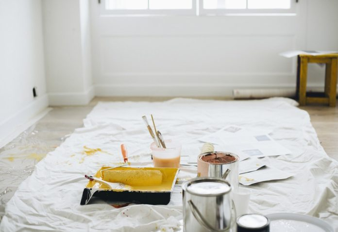 How Much Does It Cost To Hire A Painter Paint Room